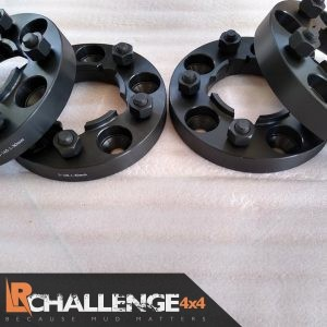 30mm Hub centric wheel spacers 5×165 to fit Land Rover Defender & Discovery 200 300