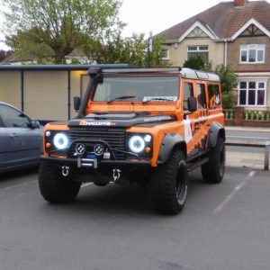 52''  LED Light Bar kit including roof Gutter bracket Land Rover Defender 300 Watt